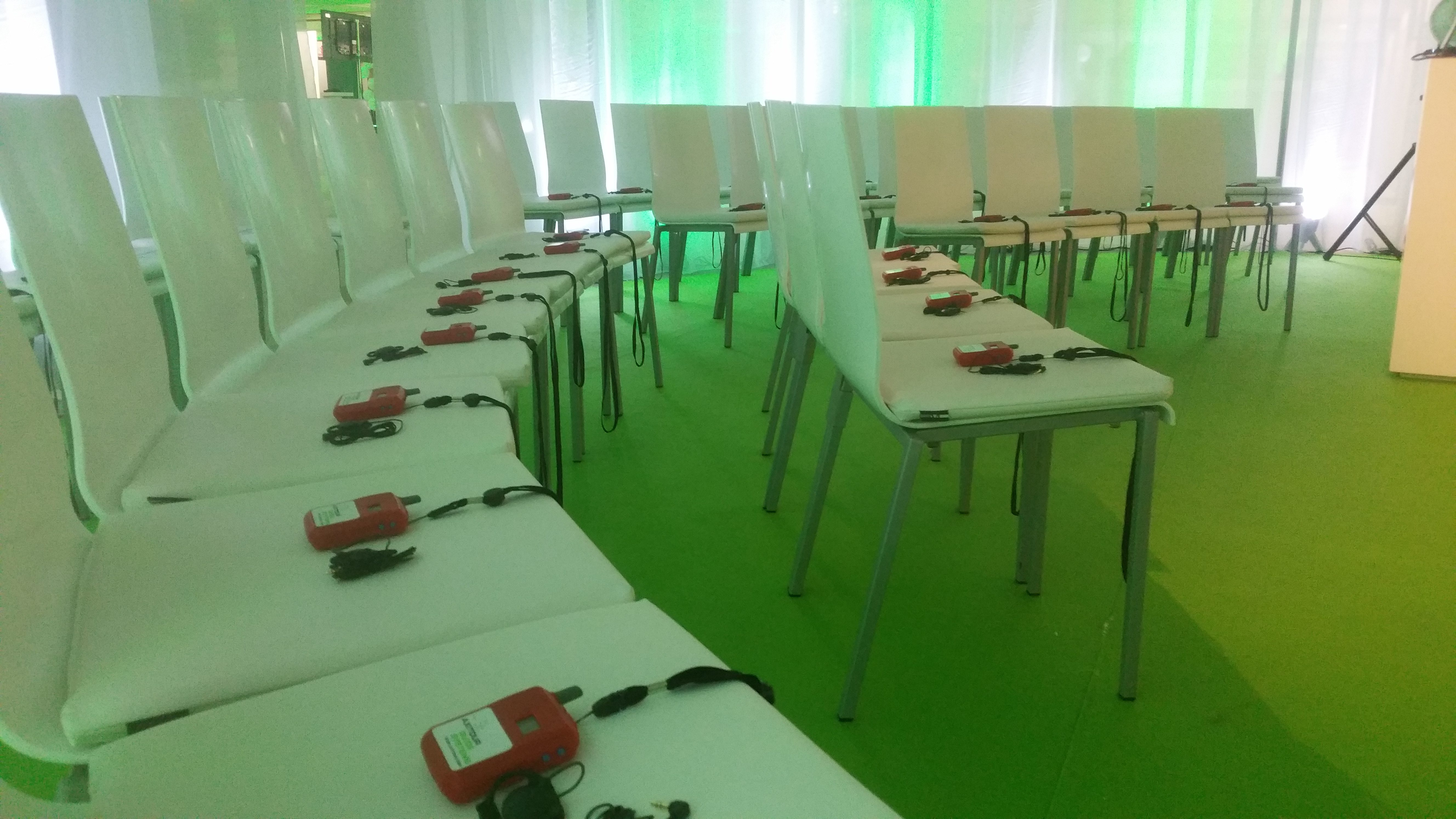 /wireless-communication-system-congress-tour-axiwi