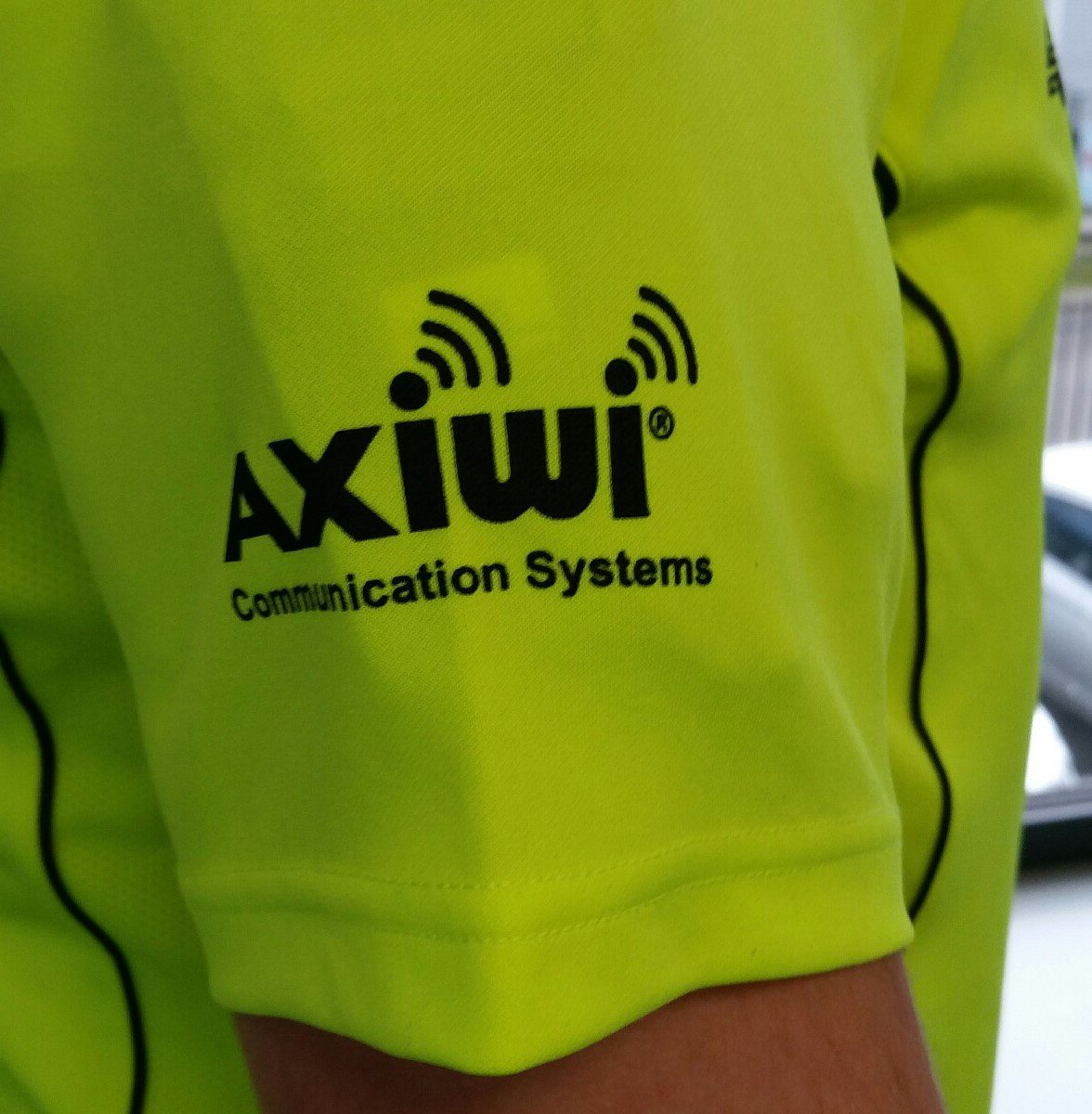 axiwi-arm-belt-under-shirt
