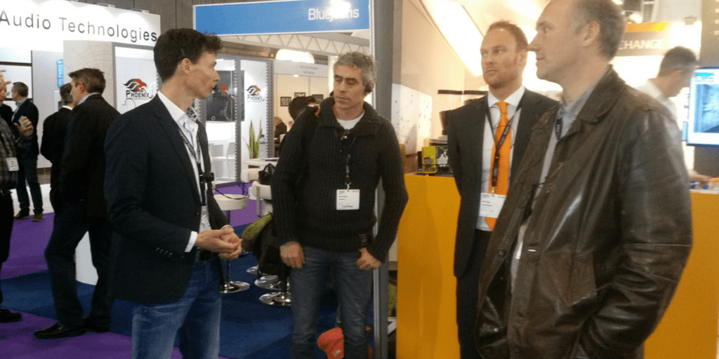axiwi-wireless-communication-system-business-tour-fair-events