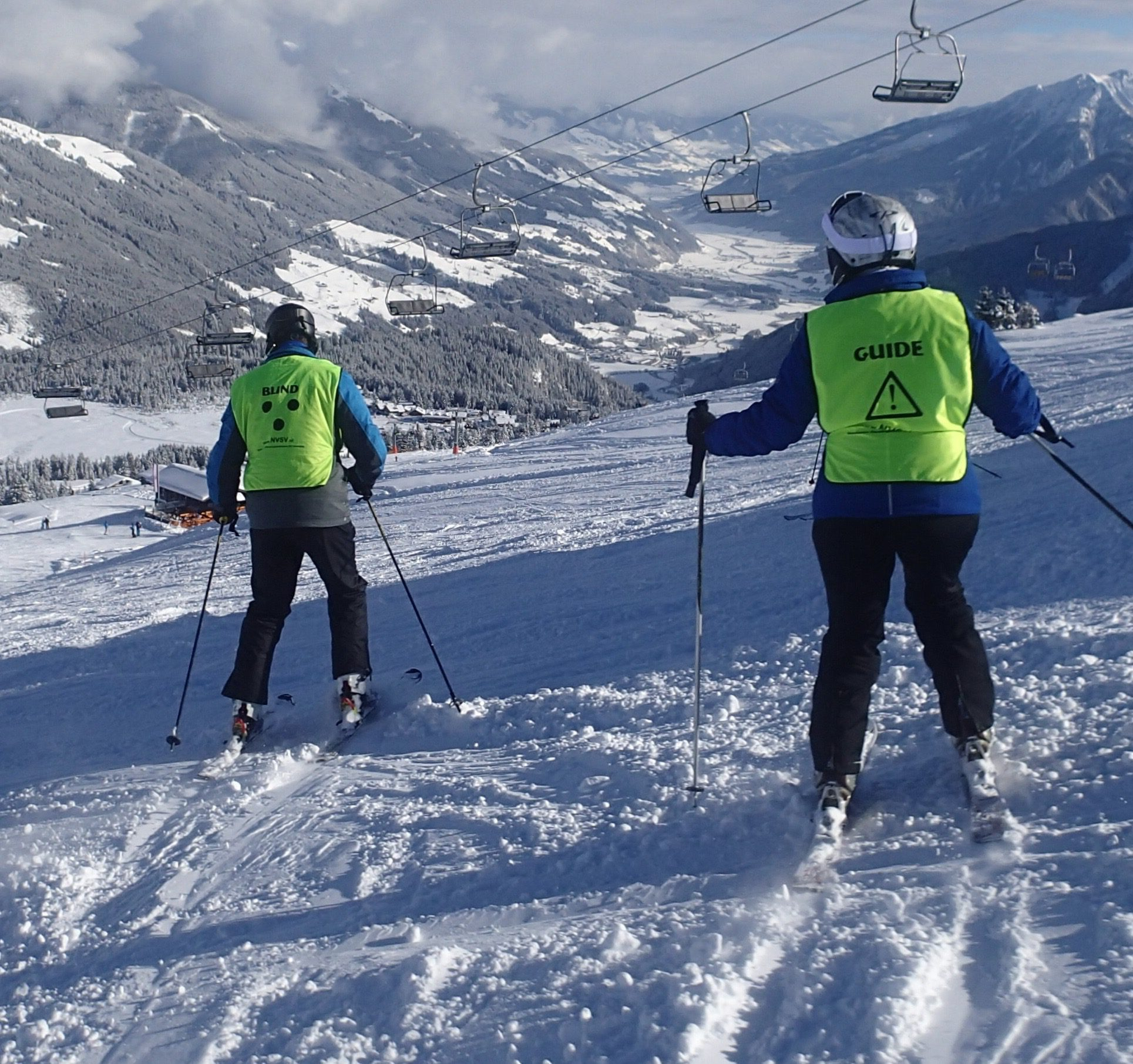 /wireless-communication-system-guide-blind-axiwi-snowboarding