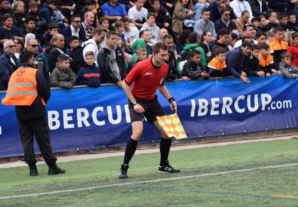 axiwi-referee-academy-voetbal-scheidsrechters-ibercup-cascais-2019-finale-assistent