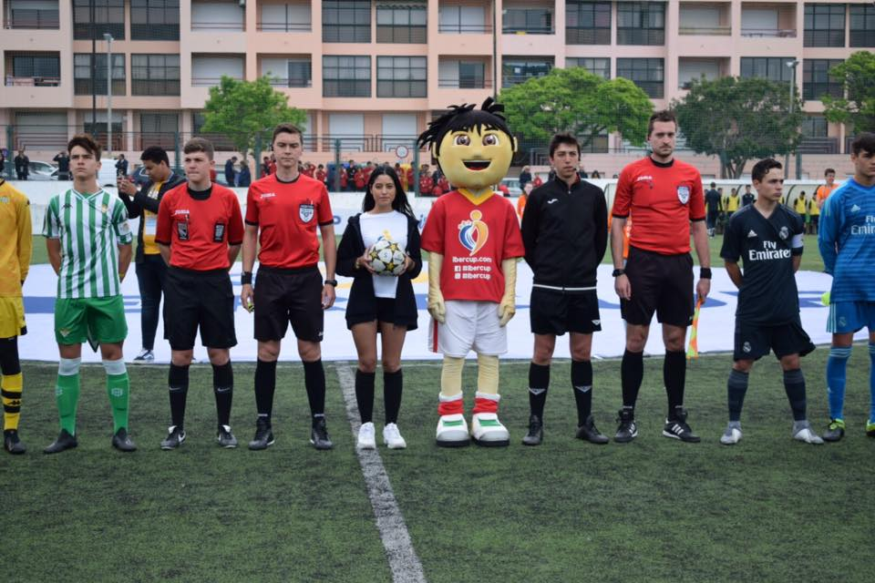 axiwi-referee-academy-voetbal-scheidsrechters-ibercup-cascais-2019-line-up